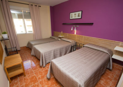 Habitacion-Triple-01-Hostal-Jentoft